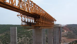 Viaducto en la A-23.Tramo: Límite Provincia Castellón y Teruel - Sarrión / A-23 Viaduct. Section: Castellón - Teruel provinces limit - Sarrión