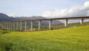 Viaducto Arroyo de las Piedras en Álora (Málaga). AVE Córdoba-Málaga Viaduct in Álora (Málaga) / High-speed train line Córdoba-Málaga