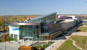 Centro Comerical en León / Mall in León
