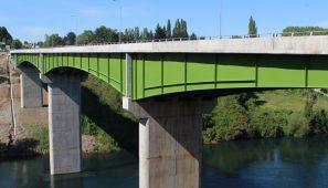 Puente Río Bueno. Región de los Ríos. Chile / Río Bueno bridge. Región de los Ríos. Chile